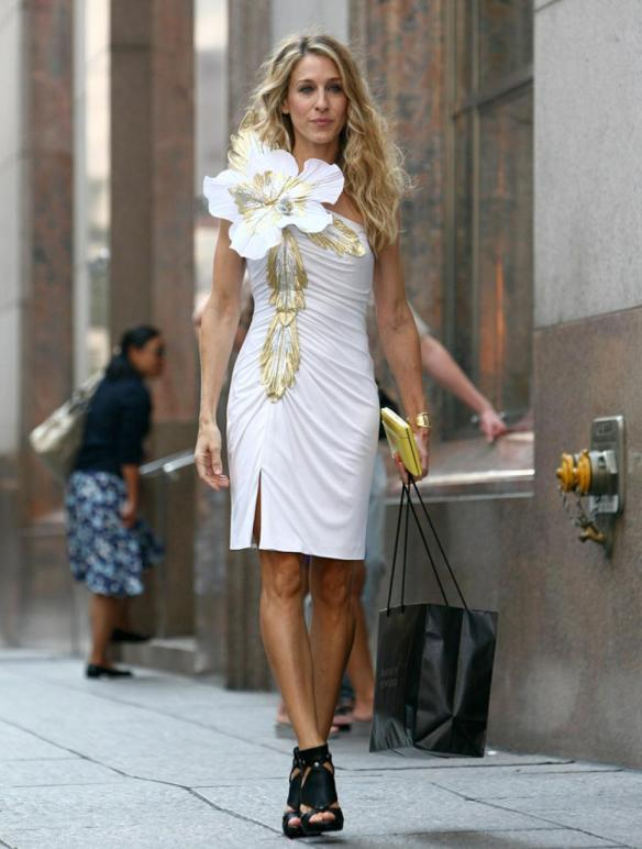 tbt-style-goddess-sarah-jessica-parker-the-september-standard-14532870614nk8g