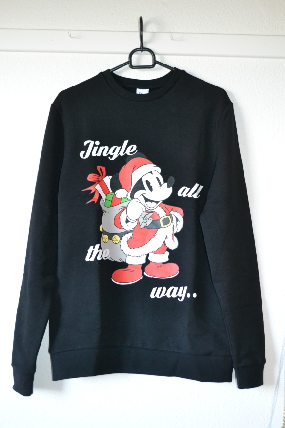 Sort sweatshirt m. Mickey Mouse som julemand - Asos