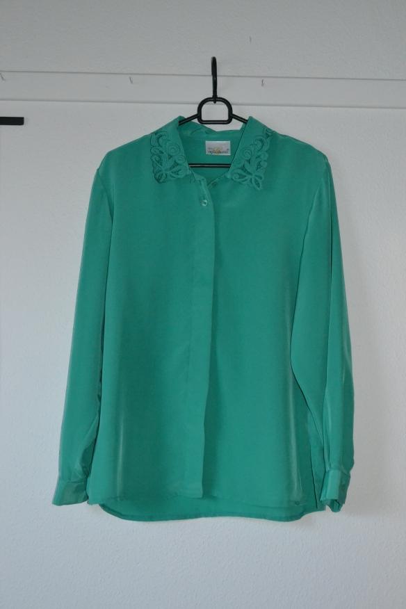 Grøn skjorte m. detaljeret krave - second hand