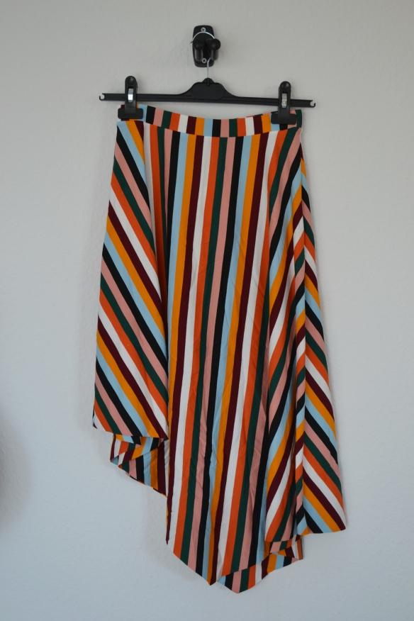 Multifarvet assymmetrisk midi nederdel - Bershka