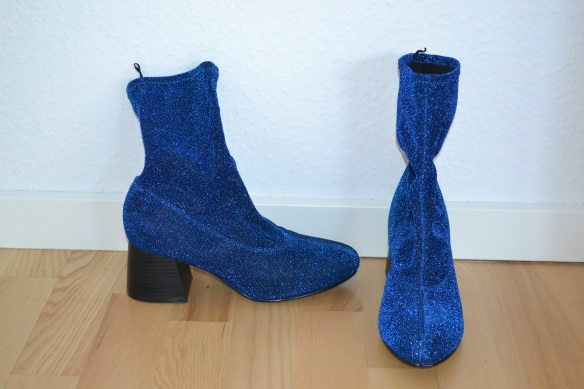 Blå glimmer sock boots m. chunky hæl - Monki