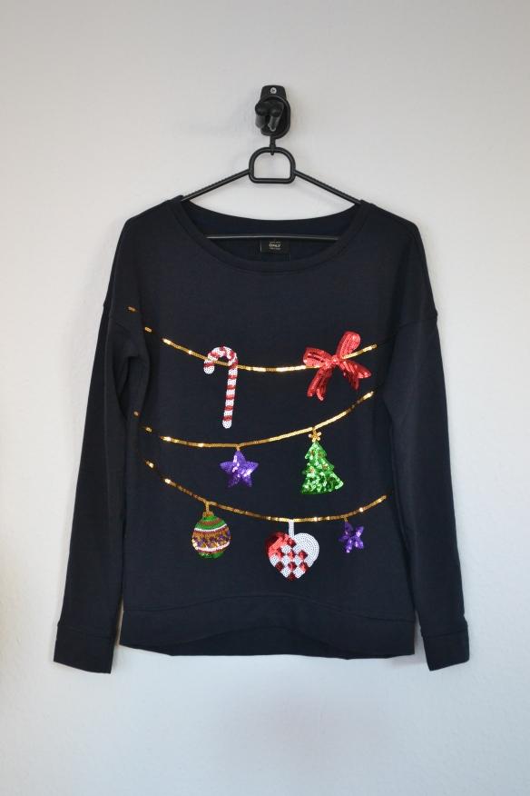 Mørkeblå sweatshirt m. pallietguilander og julepynt - Only