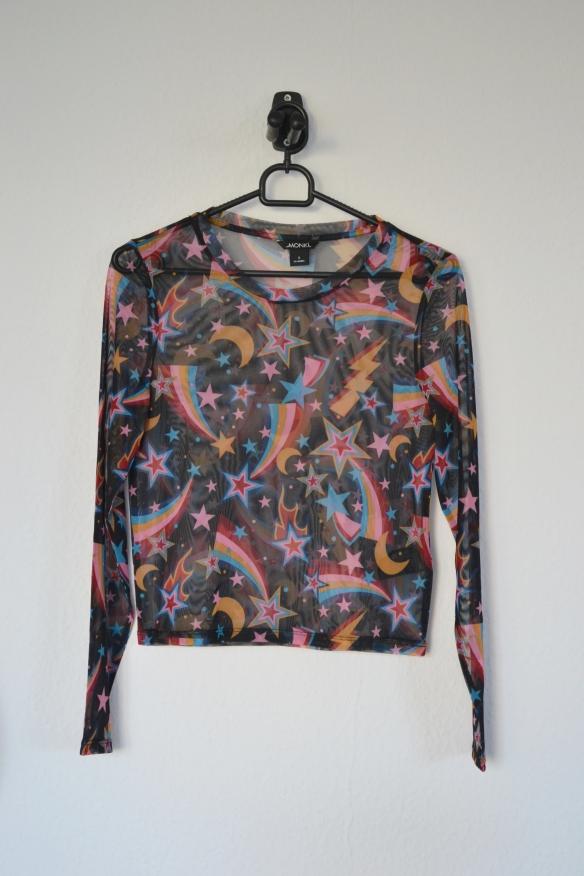 Sort mesh trøje m. multifarvet stjerneprint - Monki