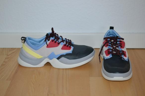 Grå, sort, rød, lyseblå, lysegul og hvide chunky sneakers - Zara
