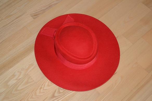 Rød hat - second hand