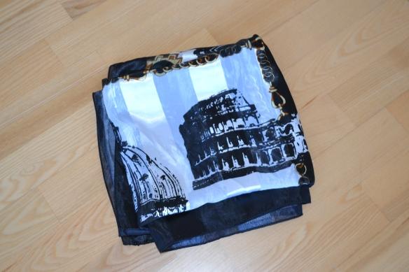 Sort, hvid og brun Roma print tørklæde - second hand