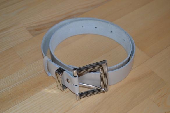 Beig ebælte m. firkantet sølvspænde - second hand