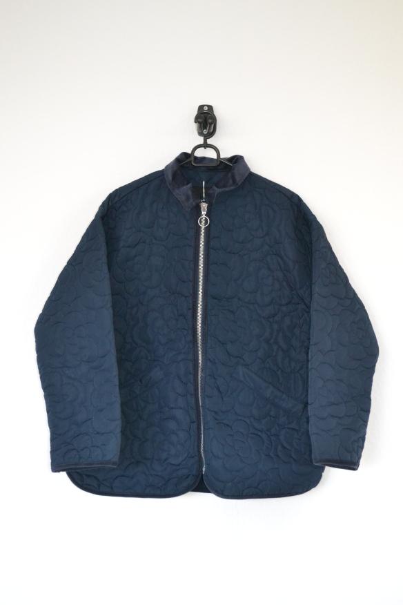 Navy quilted jakke m. blomstermønster og fløjlskrave - Monki