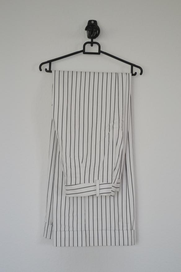 Hvide bukser m. sorte stribe og vide - Monki