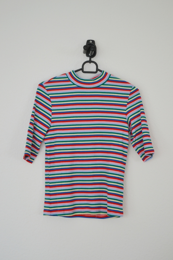 Regnbuestribet T-shirt - Monki