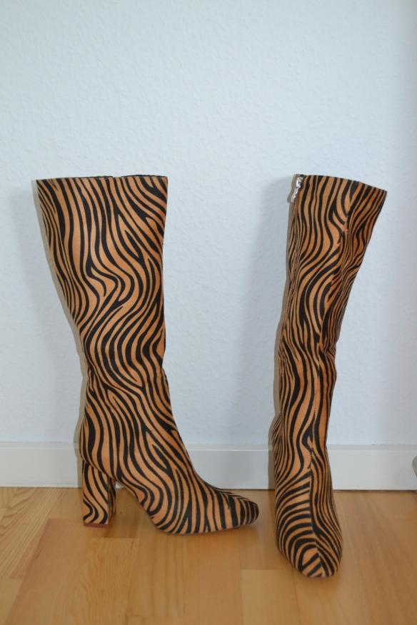Brune og sorte tigermønstrede knælange støvler - Raid