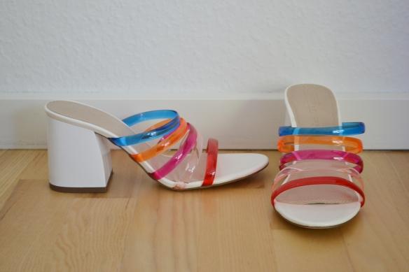 Hvide sandaler m. gennemsigtige multifarvede remme - Asos