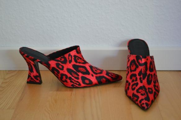 Pinkrøde leopardprint spidse mules - Asos
