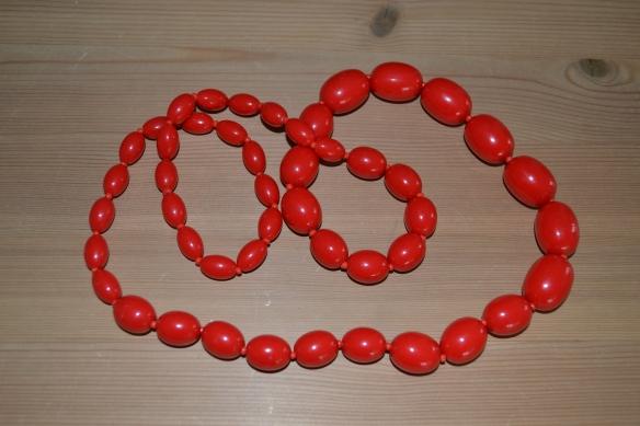 Rød second hand halskæde