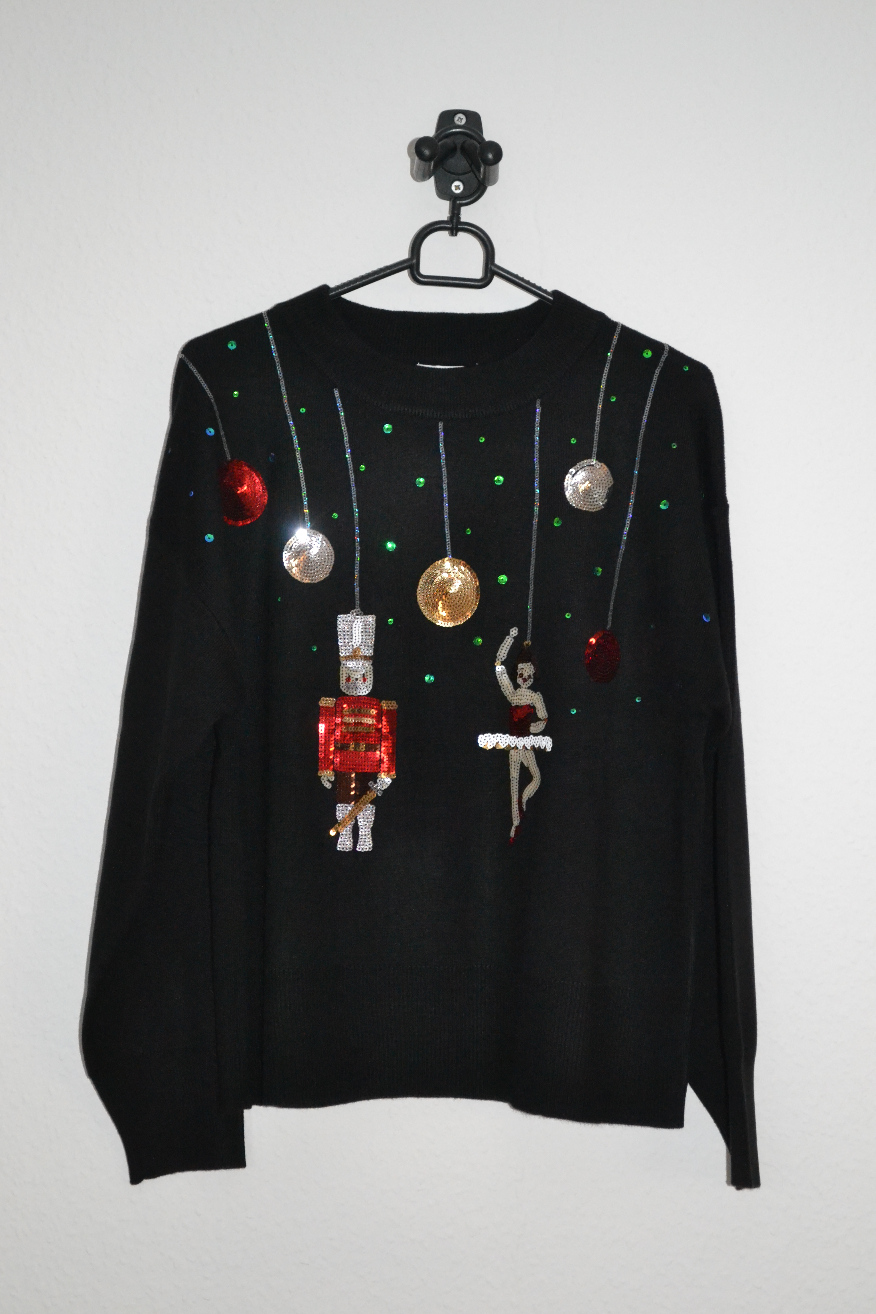 Sort sweater m. tinsoldat og ballerina i pailletter - Topshop