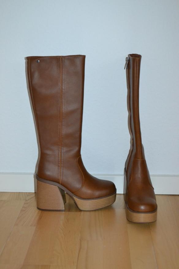 Brune knælange støvler m. chunky hæl og plateau - mtng
