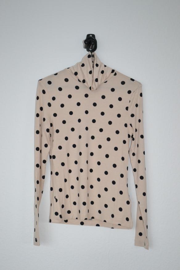 Cremefarvet rullekravetrøje m. sorte polkaprikker - H&M