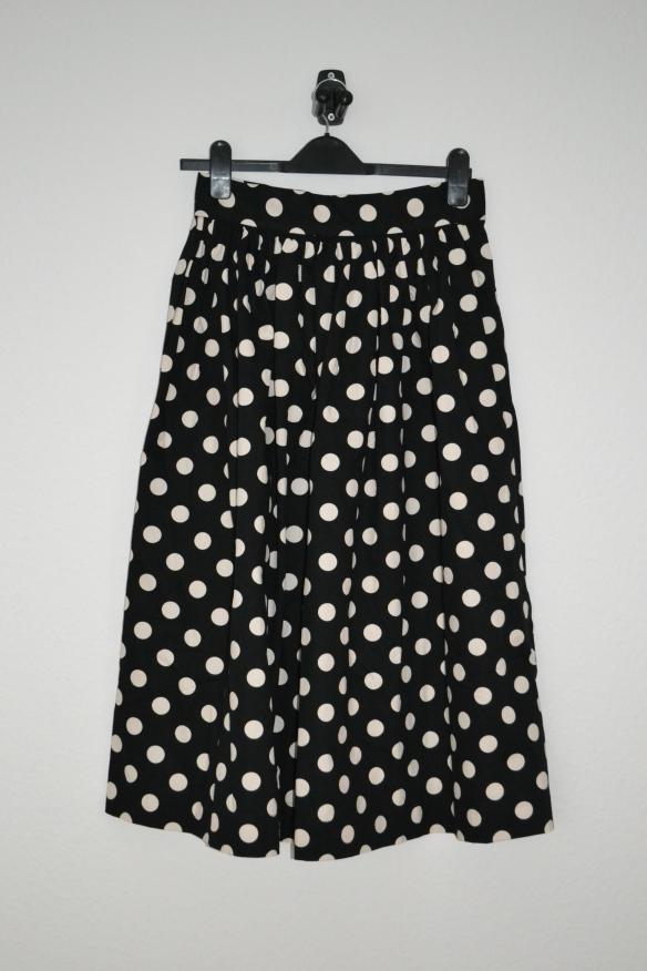 Sort midi nederdel m. hvide prikker - H&M