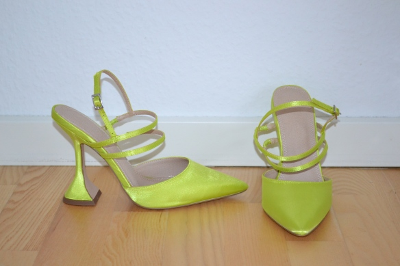 Limegrønne pumps m. stropper og trekantet hæl - Asos