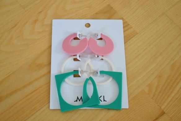 Lyserøde, hvide og teal hoops (Monki)