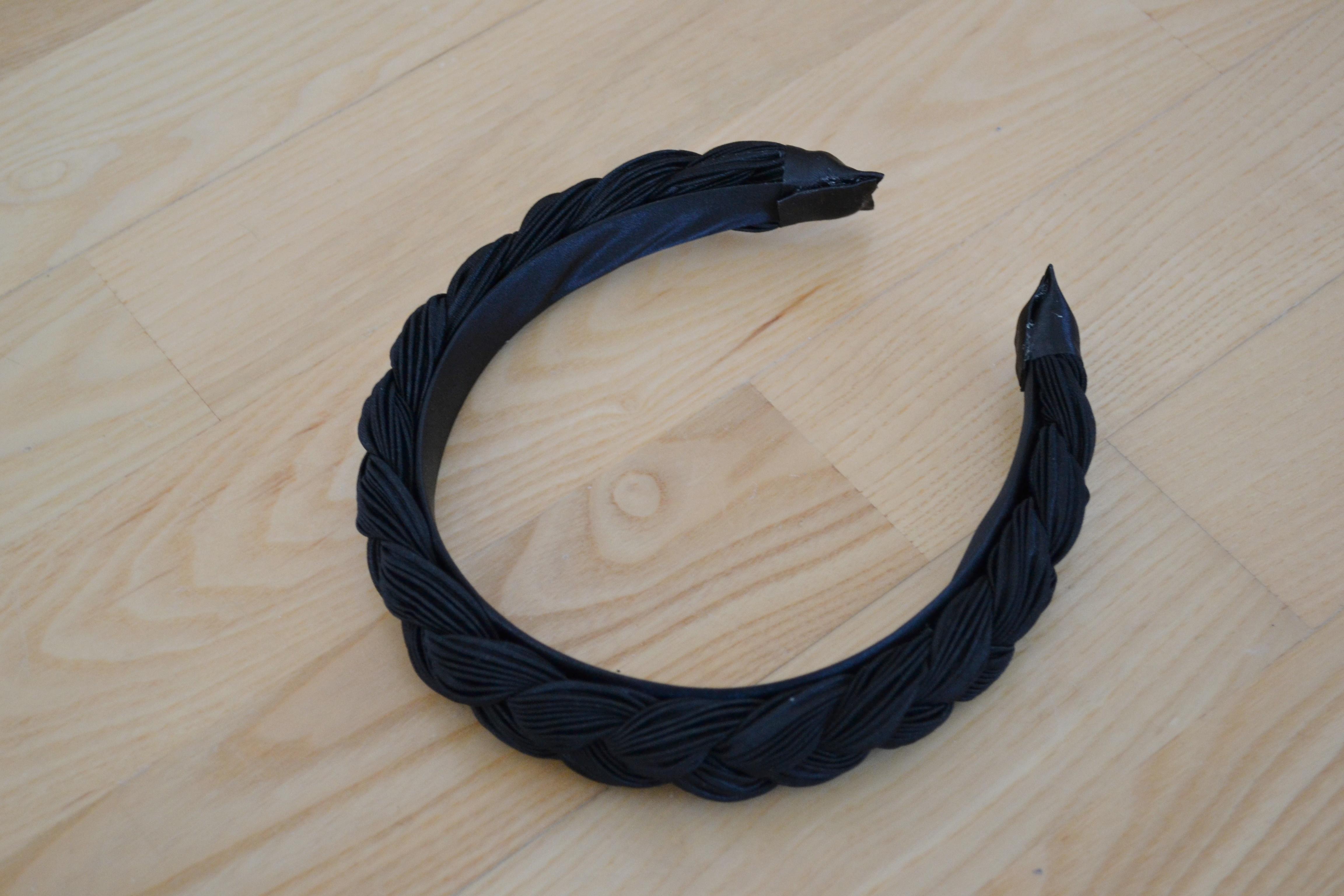 Sort flettet hårbøjle
