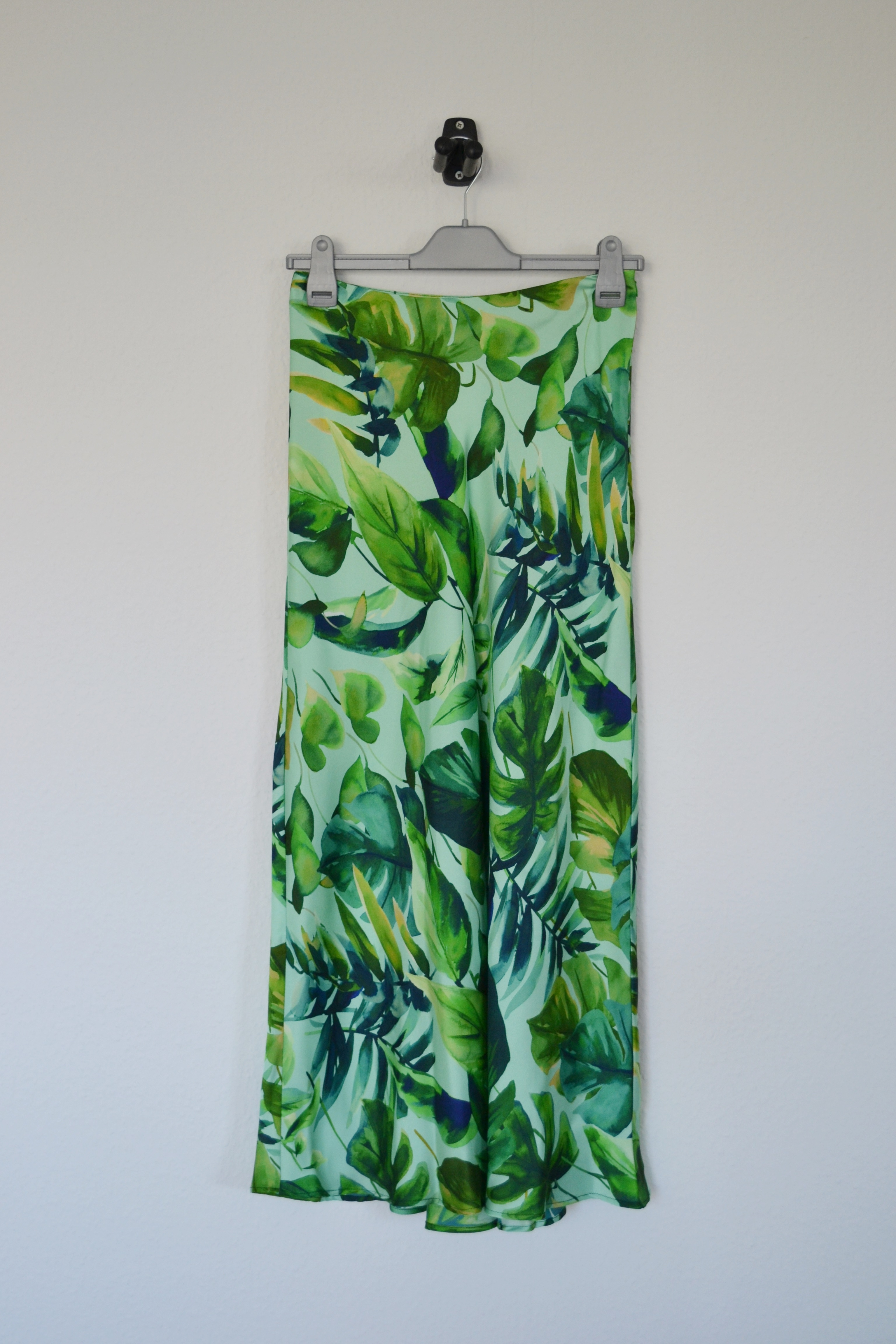Grøn midi nederdel m. blade - Zara