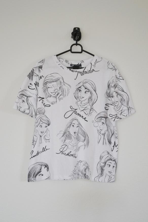 Hvid T-shirt m. Disney prinsesser - Zara