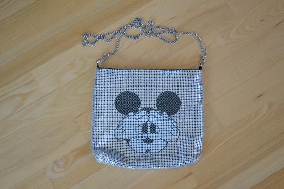 Sølvfarvet skuldertaske m. Mickey Mouse print - Zara